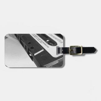 Etiqueta De Bagagem Fita da cassete áudio do vintage na mesa de