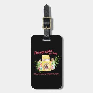 Etiqueta De Bagagem Fotógrafo no design da câmera do vintage do dever