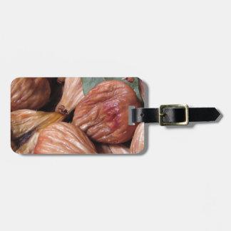 Etiqueta De Bagagem Frutas do outono. Close up de figos secados com
