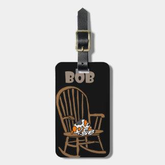 Etiqueta De Bagagem Gato de chita engraçado na cadeira de balanço