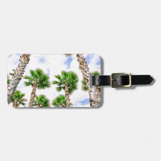 Etiqueta De Bagagem Grupo de palmeiras retas altas