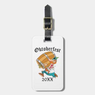Etiqueta De Bagagem Homem de Oktoberfest com barril