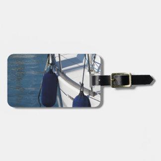 Etiqueta De Bagagem Lado esquerdo do barco de navigação com os dois