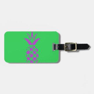 Etiqueta De Bagagem Maçã roxa do pinho no verde