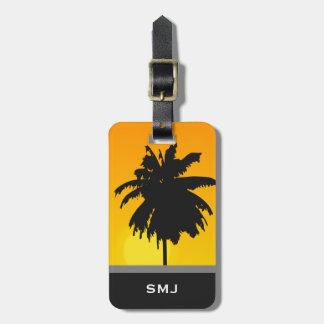Etiqueta De Bagagem Monograma opcional da palmeira tropical da praia