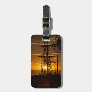 Etiqueta De Bagagem Navio de navigação alto de San Diego no por do sol