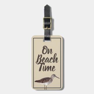 Etiqueta De Bagagem No pássaro & no nome do borrelho do tempo da praia