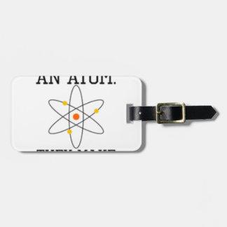 Etiqueta De Bagagem Nunca confie um átomo - ciência engraçada