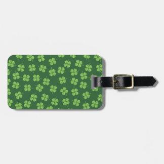Etiqueta De Bagagem O irlandês celta verde quatro folheou trevos St