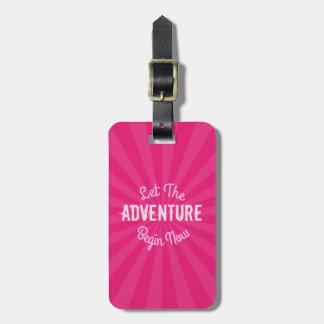 Etiqueta De Bagagem O rosa feminino deixou a aventura começar agora
