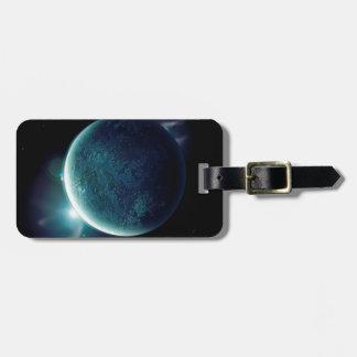 Etiqueta De Bagagem planeta verde no universo com aura e estrelas