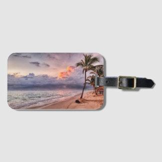 Etiqueta De Bagagem Por do sol do Sandy Beach das ondas de oceano