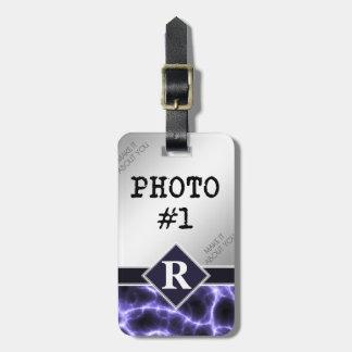 Etiqueta De Bagagem Relâmpago roxo com monograma e suas fotos