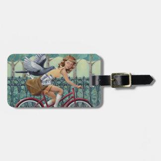 Etiqueta De Bagagem Tag da bagagem da menina & da bicicleta do jornal