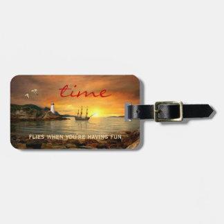 Etiqueta De Bagagem Tag da bagagem do oceano do por do sol do veleiro
