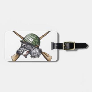Etiqueta De Bagagem Tatuagem cruzado capacete dos rifles do lobo