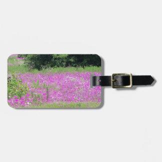 Etiqueta De Bagagem Um campo de wildflowers cor-de-rosa do primavera