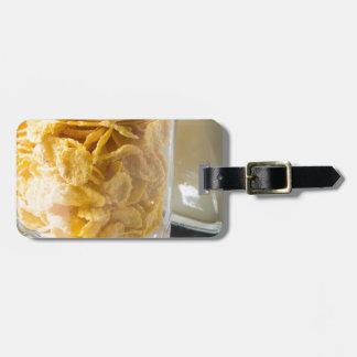 Etiqueta De Bagagem Vidro do cereal seco e um vidro do leite