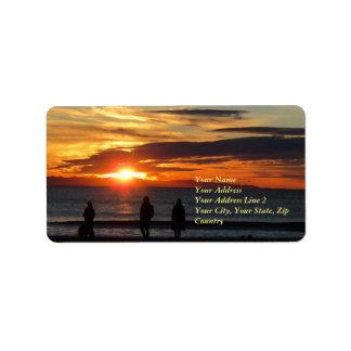 Etiqueta de endereço do por do sol da praia de