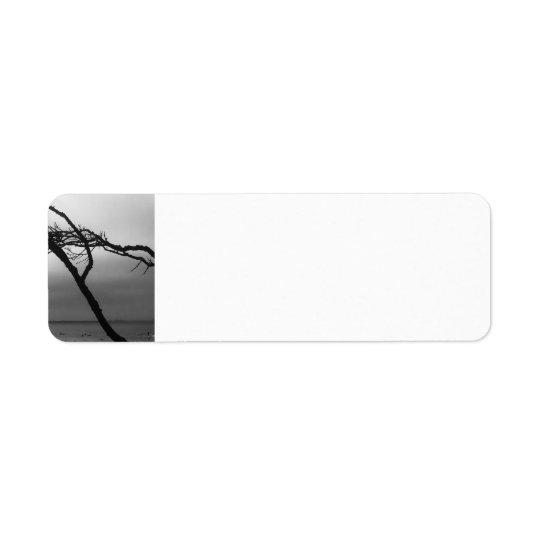Etiqueta de endereço preto e branco do ramo da