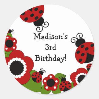 Etiqueta do aniversário do joaninha adesivo