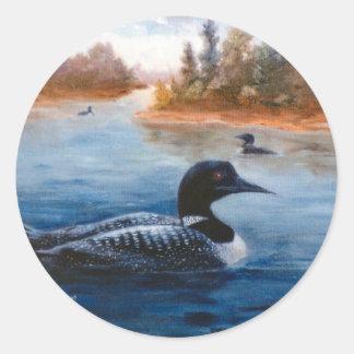 Etiqueta do lago loon adesivo em formato redondo