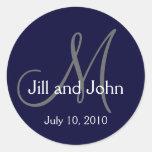 Etiqueta do marinho da data do noivo da noiva do c adesivo em formato redondo