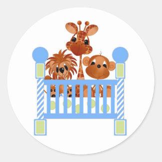 Etiqueta-é bebês de uma selva do menino adesivo em formato redondo