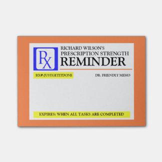 Etiqueta engraçada da prescrição bloquinho de nota
