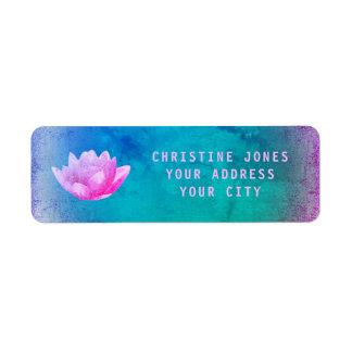 Etiqueta flor de lótus roxos e azuis
