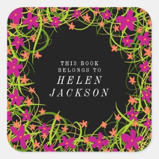 Etiqueta floral cor-de-rosa e preta bonito do nome
