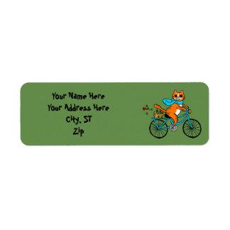 Etiqueta Gato que monta uma bicicleta