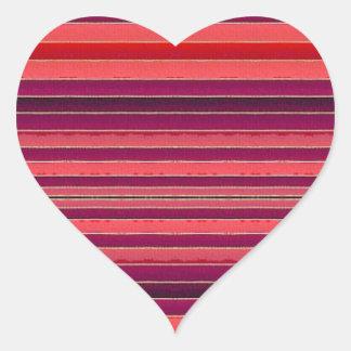 Etiqueta listrada vermelha do coração das listras adesivos em forma de corações