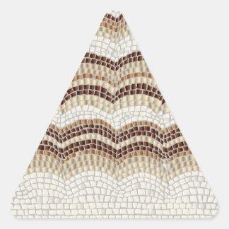 Etiqueta lustrosa do triângulo bege do mosaico