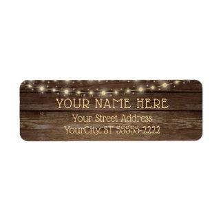 Etiqueta Luzes rústicas da madeira e da corda do país