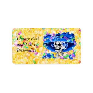 Etiqueta Mulher de esqueleto de riso na capota azul