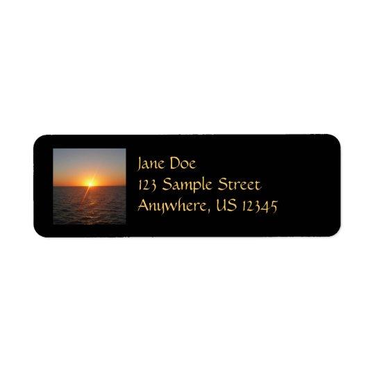 Etiqueta Nascer do sol no Seascape do horizonte do oceano