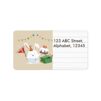 Etiqueta Nota alinhada do chapéu do aniversário coelho