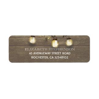 Etiqueta O frasco de pedreiro ilumina o casamento rústico