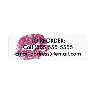 Etiqueta Os lábios cor-de-rosa do brilho requisitam