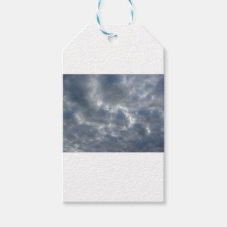 Etiqueta Para Presente Céu morno com as nuvens de cúmulo-nimbo dos
