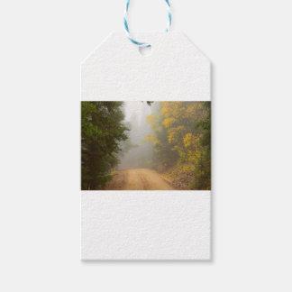 Etiqueta Para Presente Cruzamento na névoa do outono