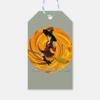 Etiqueta Para Presente O Dia das Bruxas a bruxa está dentro