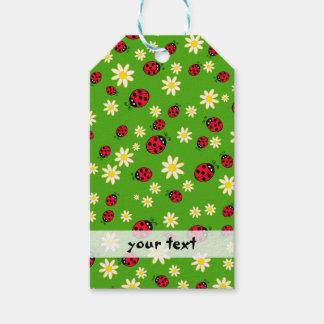 Etiqueta Para Presente verde bonito do teste padrão de flor do joaninha e