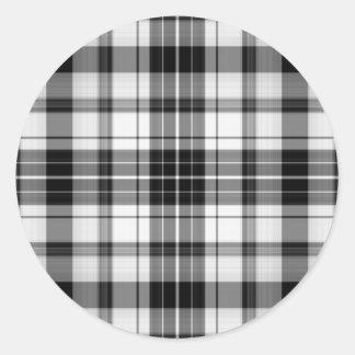 etiqueta preto e branco da xadrez adesivo em formato redondo
