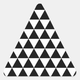 Etiqueta preto e branco do triângulo lustrosa adesivo triangular