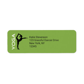 Etiqueta Silhueta da pose da ioga no fundo verde