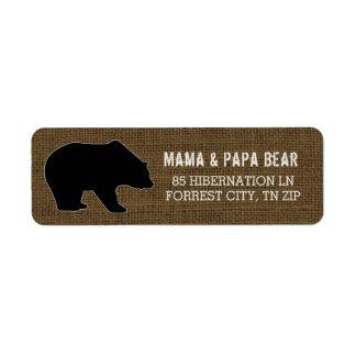 Etiqueta Silhueta rústica do urso preto do país de