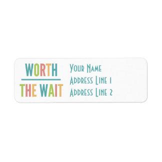 Etiqueta Valor moderno a espera - adopção, bebê novo