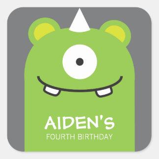 Etiqueta verde do aniversário do monstro adesivo quadrado